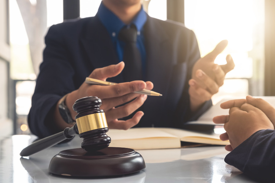 How a Divorce Lawyer Can Help